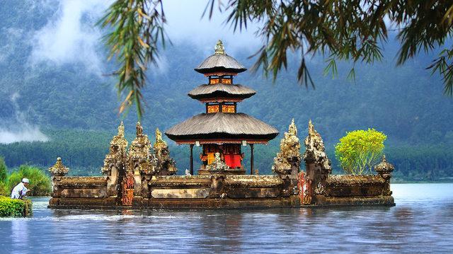 Великден в Сингапур и на остров Бали