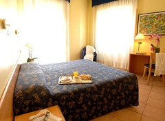 Mennini Hotel – Милано - Фотогалерия - снимка 1