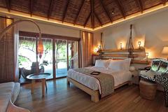 Constance Moofushi Resort - Малдиви - Фотогалерия - снимка 1