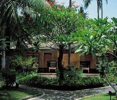 Legian Beach Hotel - Бали