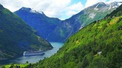 """Норвегия и фиордите<br/><font color=""""#ff0000""""></font>"""